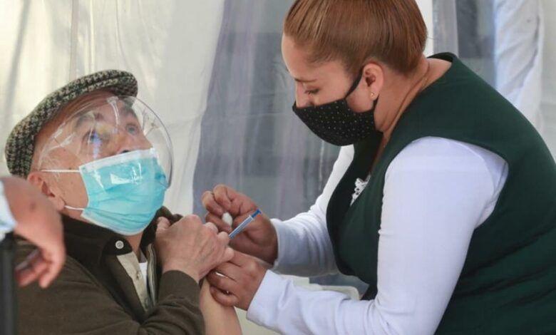 Contraloría alerta por casos de fallecidos vacunados que se duplicaron en abril